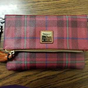 Dooney & Bourke folded crossbody bag